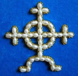 замкнутый крест жемчуг